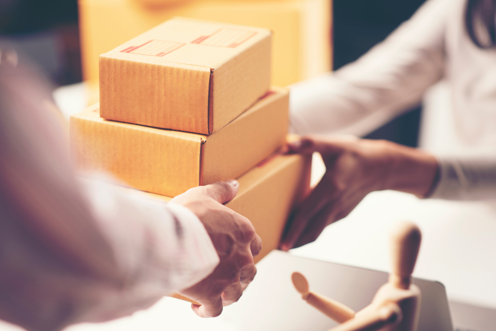 outsource large parcels delivery